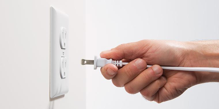 bắt đầu cắm điện tủ đông sau khi mua vê tầm 2 tiếng