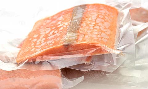 nên cho thực phẩm vào túi nilon trước khi bỏ vào tủ đông