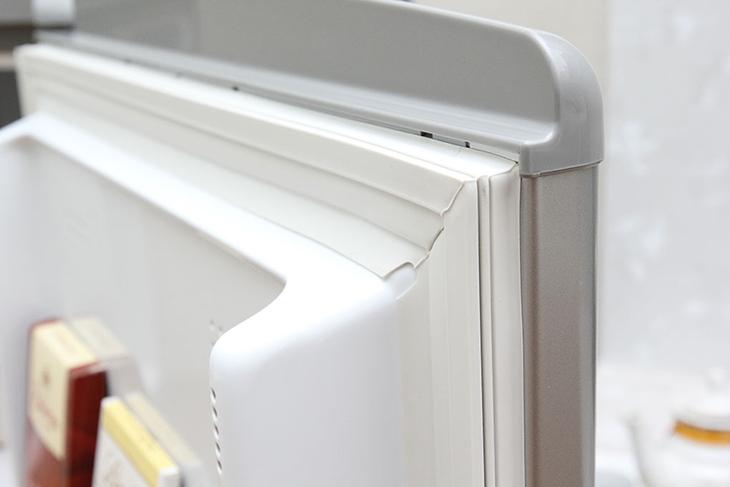 gioăng tủ lạnh bị hở