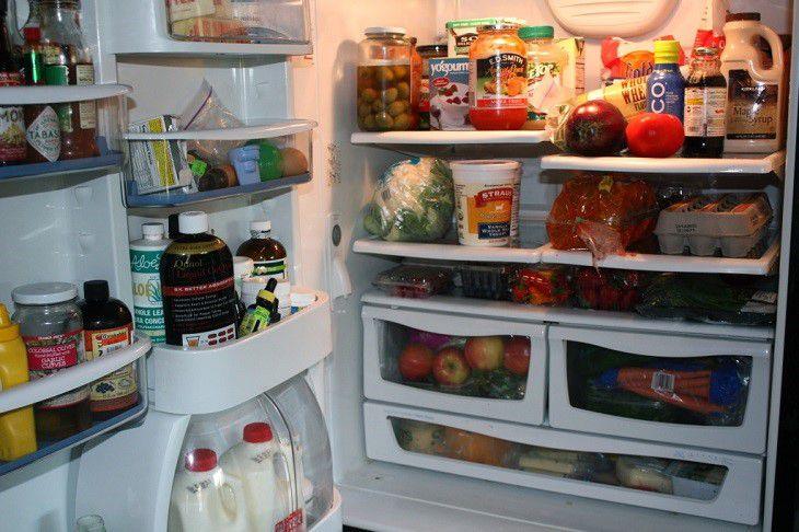 Thực phẩm trong tủ lạnh quá nhiều