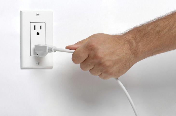 Tiết kiệm điện khi đi du lịch dài ngày?